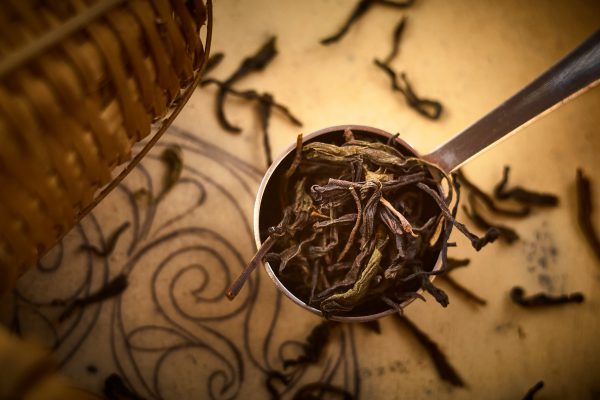 Thé vert en feuilles entières